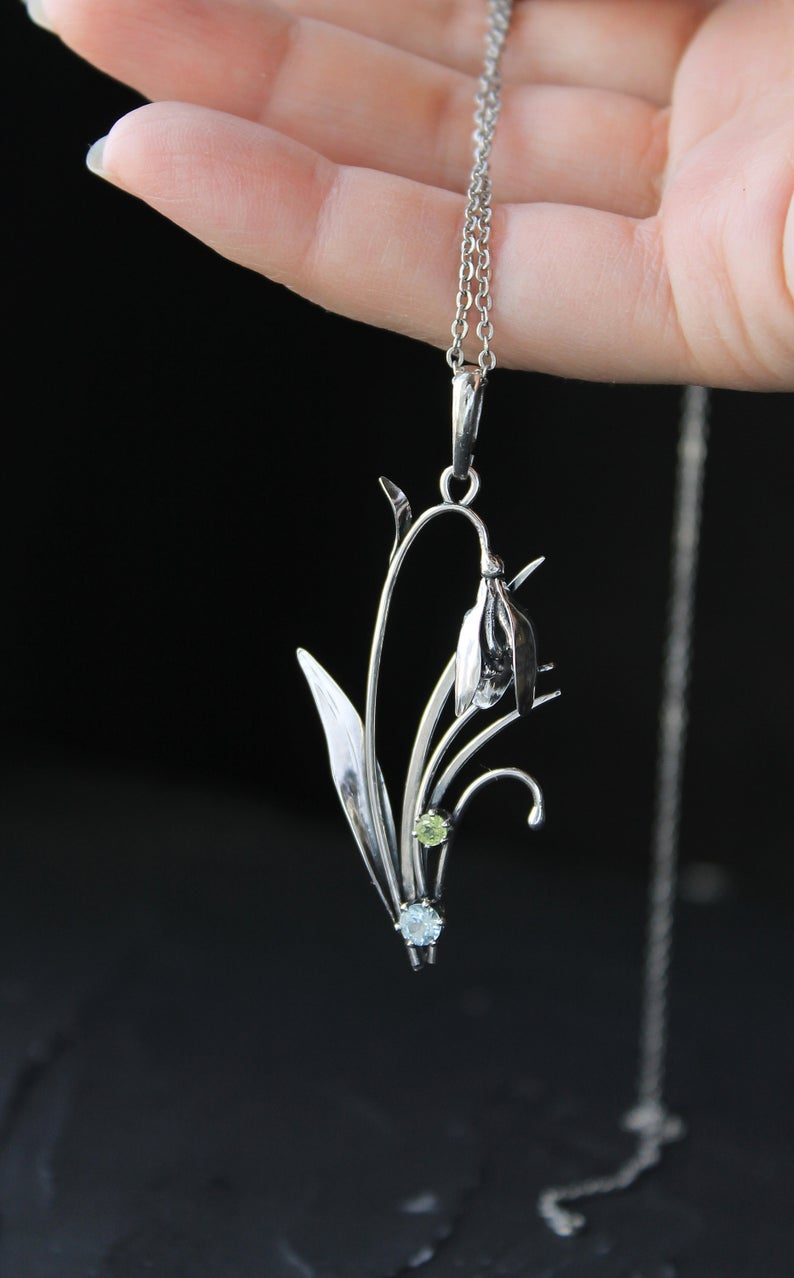 Spring Flower Pendant Silver Snowdrop Necklace Blooming Flower Etsy In 2020 Flower Pendant Nature Pendant Woodland Jewelry