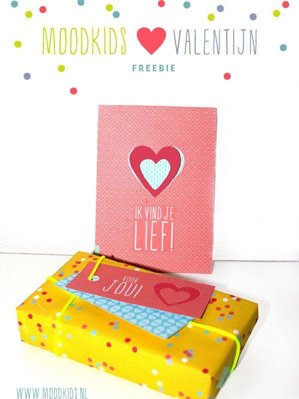 Een gratis kaart, labels en inpakpapiertje voor #Valentijnsdag #free #printable #valentinesday www.moodkids.nl/valentijn