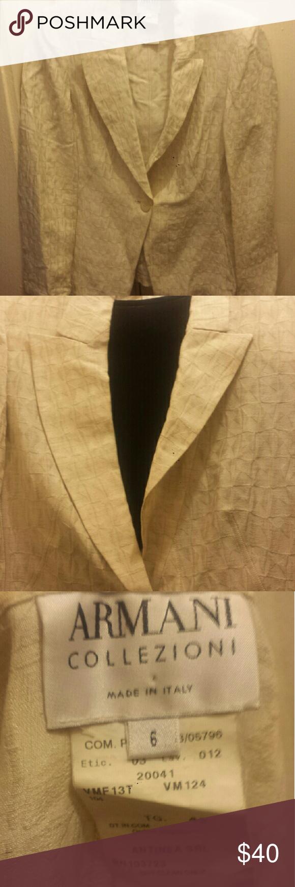 Armani Collezioni single button creme blazer Armani blazer in creme croc pattern. Rarely worn in excellent condition. Armani Collezioni Jackets & Coats Blazers