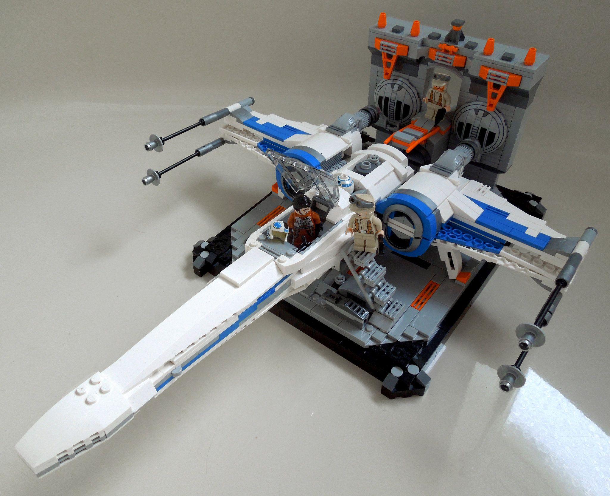 X Wing In Hangar Lego Lego Lego Spaceship Lego Star