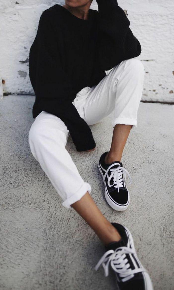 superbe-costume-blanc-chemise-rouge-jean-italien-mode-vetement-baskets 8cebd693e1b