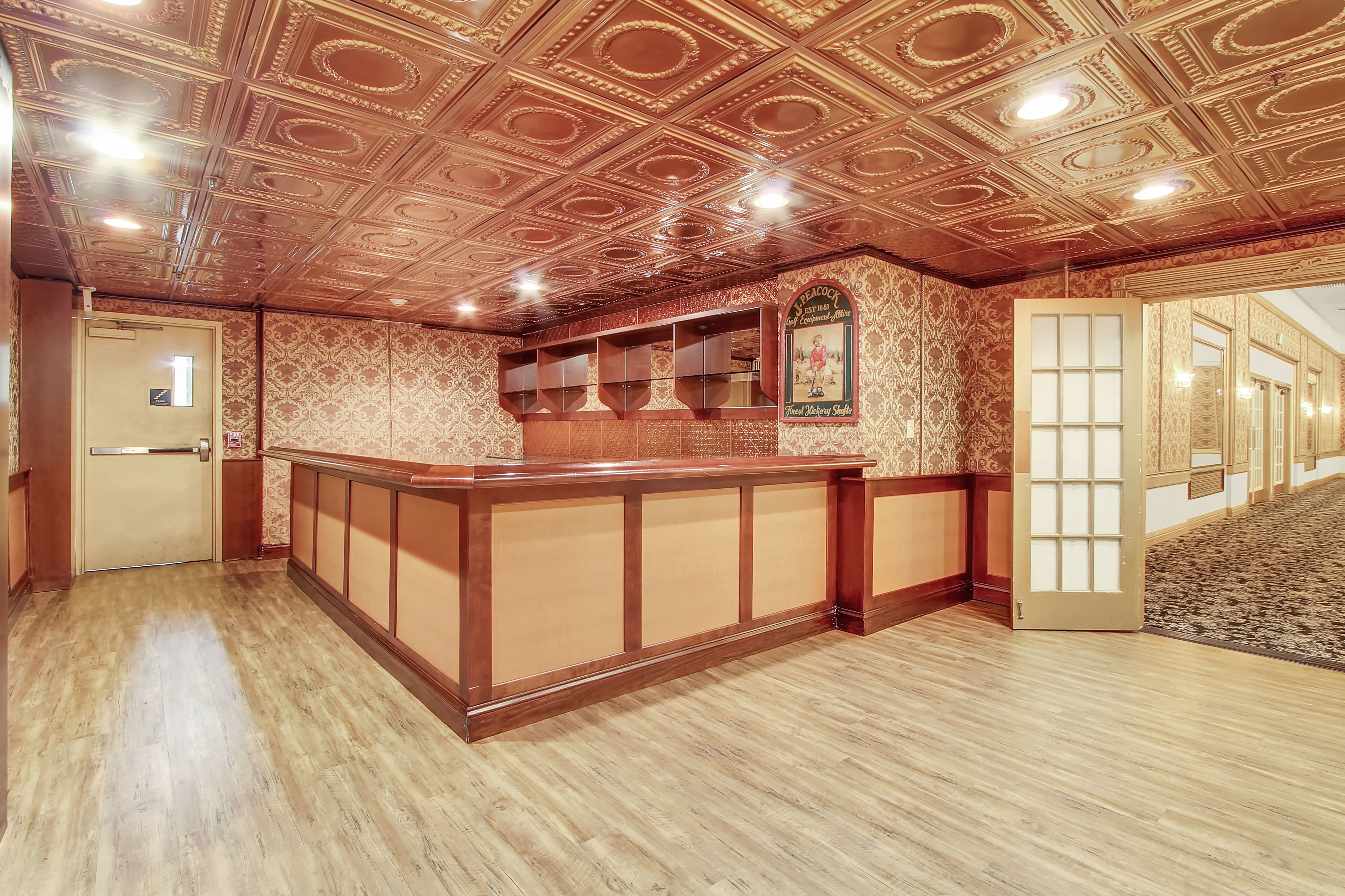 Attached To The Presidential Ballroom This Barroom Is Sure To