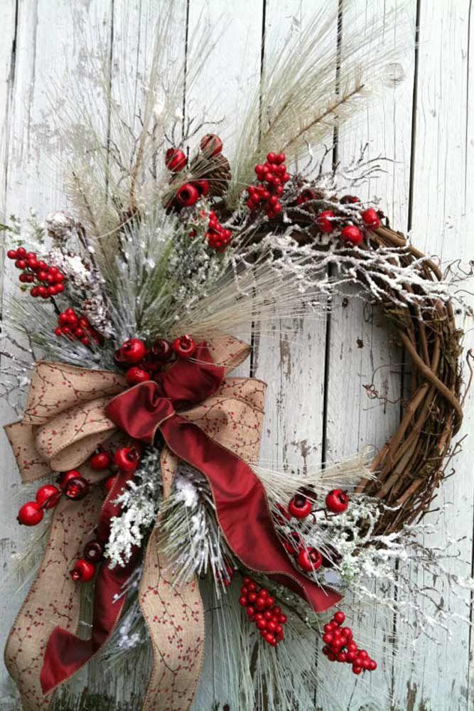 15 Most Festive Christmas Wreaths Wreaths, Symbols and Decoration - christmas wreath decorations