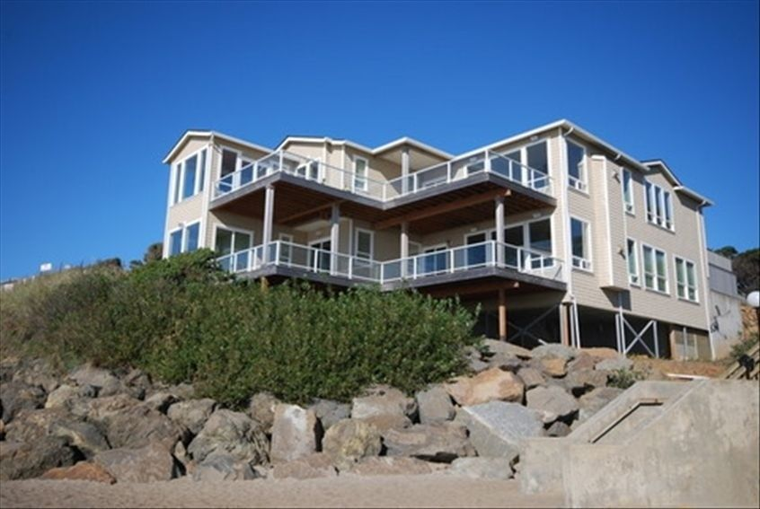 House Vacation Rental In Lincoln City From Vrbo Com Vacation Rental Travel Vrbo Great Theatre Hot Tub Sauna City Vacation Vacation Rental House Rental