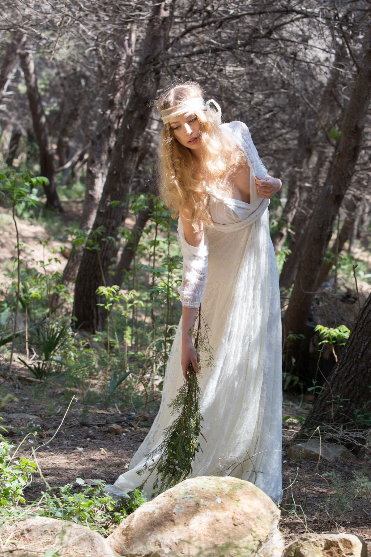 Boho chic wedding dress in golden lace gala bohemian rustic boho