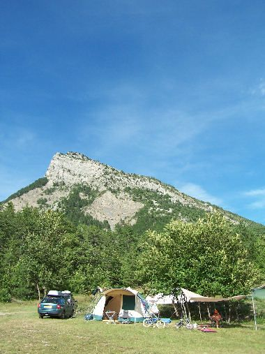 Campsite In Provence Near Sisteron And Motte Du Caire In The Alpes De Haute Provence Vakanties Camping Vakantie