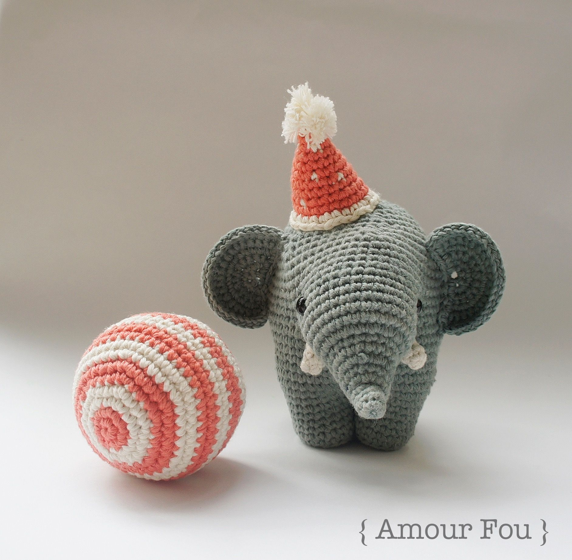 Gustav, the Balancing Elephant - Free Crochet Pattern by {Amour Fou ...