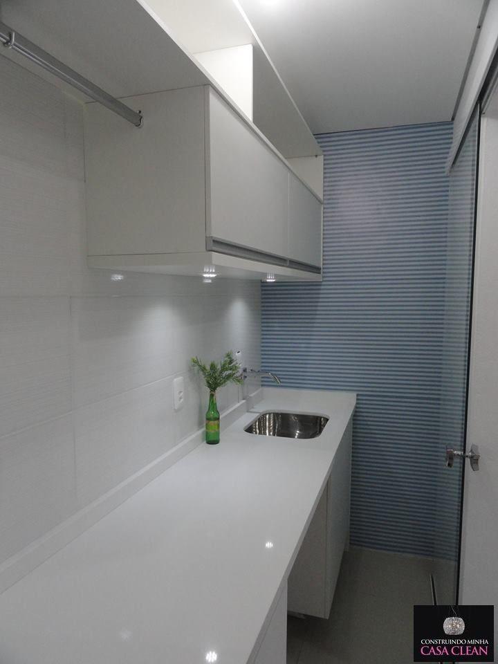 A Casa Clean com Papel na Parede - Closet, Hall e Lavanderia!