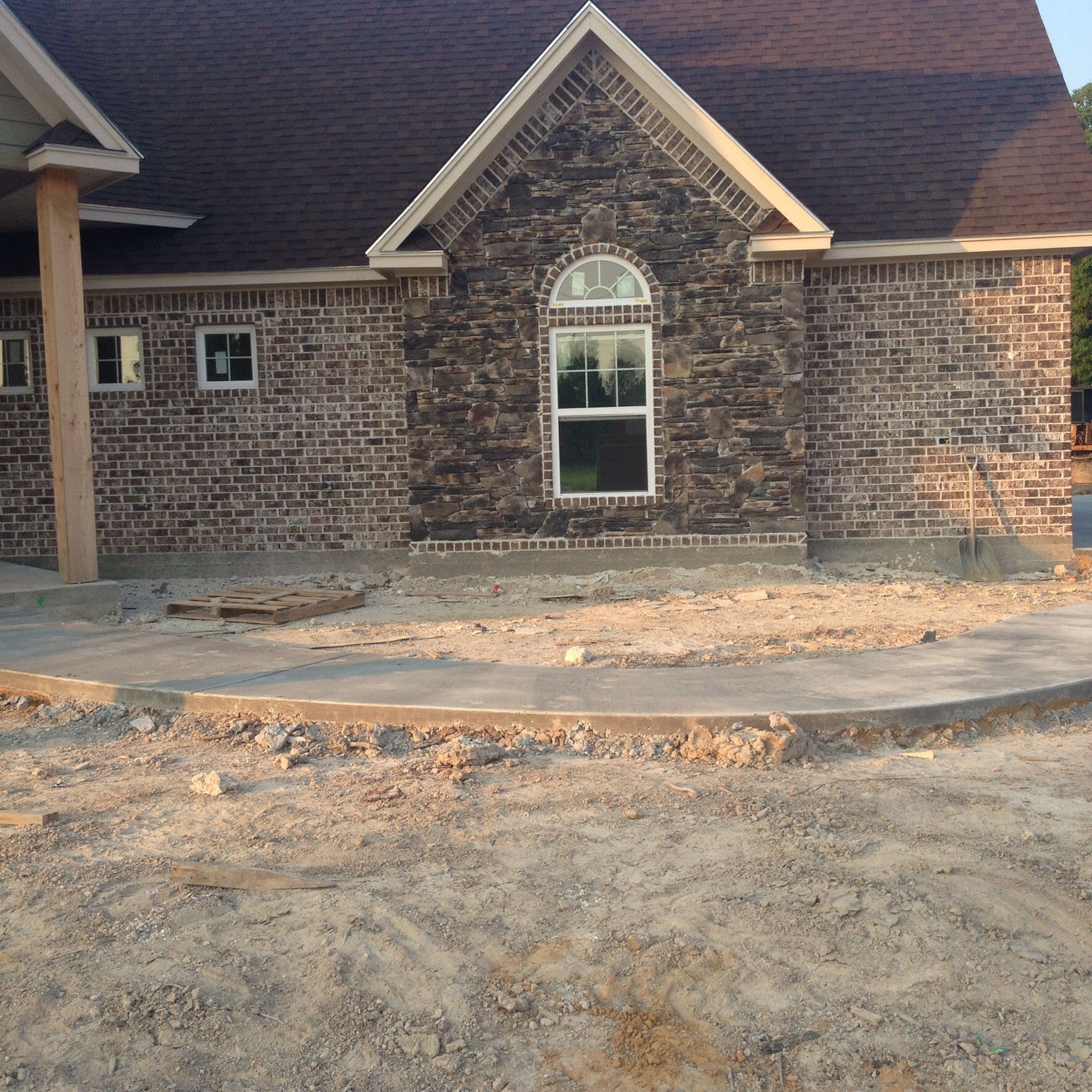 Stone Luxury Home Designs: Wolf Creek Stone With Ashton Brick Is A Beautiful