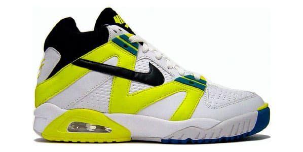 Nike classic tennis shoes, Sneakers