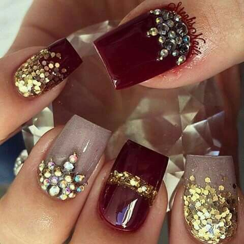 Uñas Guinda Gris Dorado Y Pedrería Nails Pinterest Nails