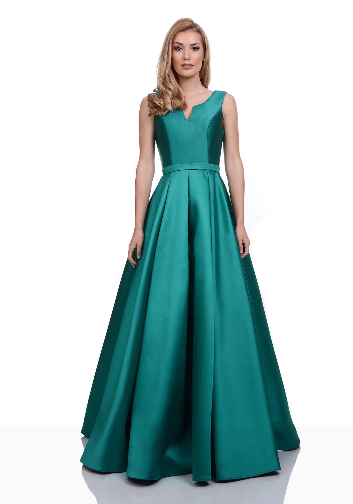 Šaty na maturitní ples  543536997a