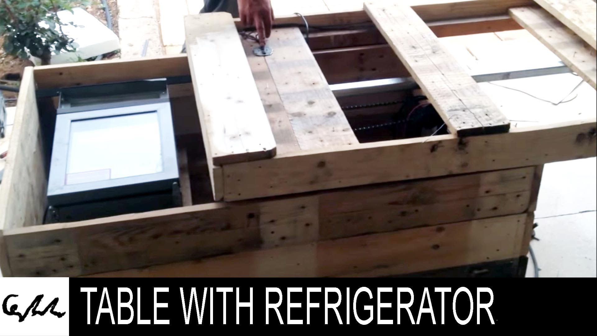 DIY Extreme coffee table with refrigerator made from