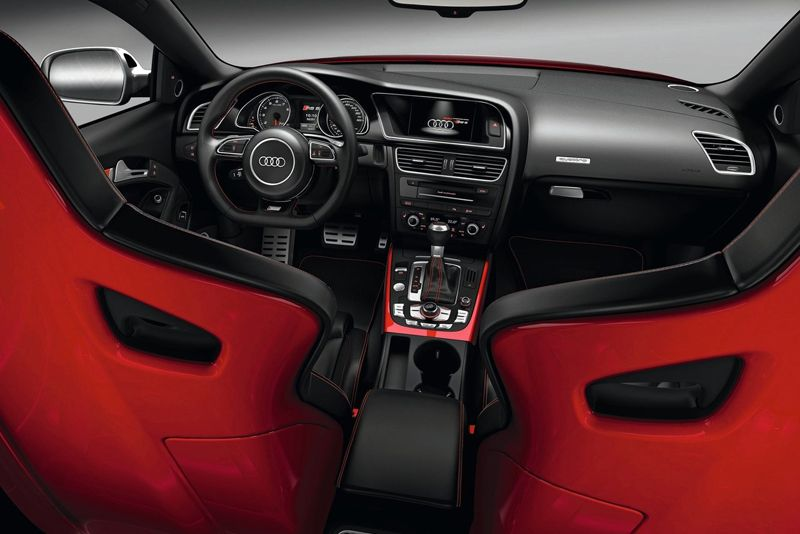 Interior of the Audi RS5 Coupé. Those are some good-looking seats ...
