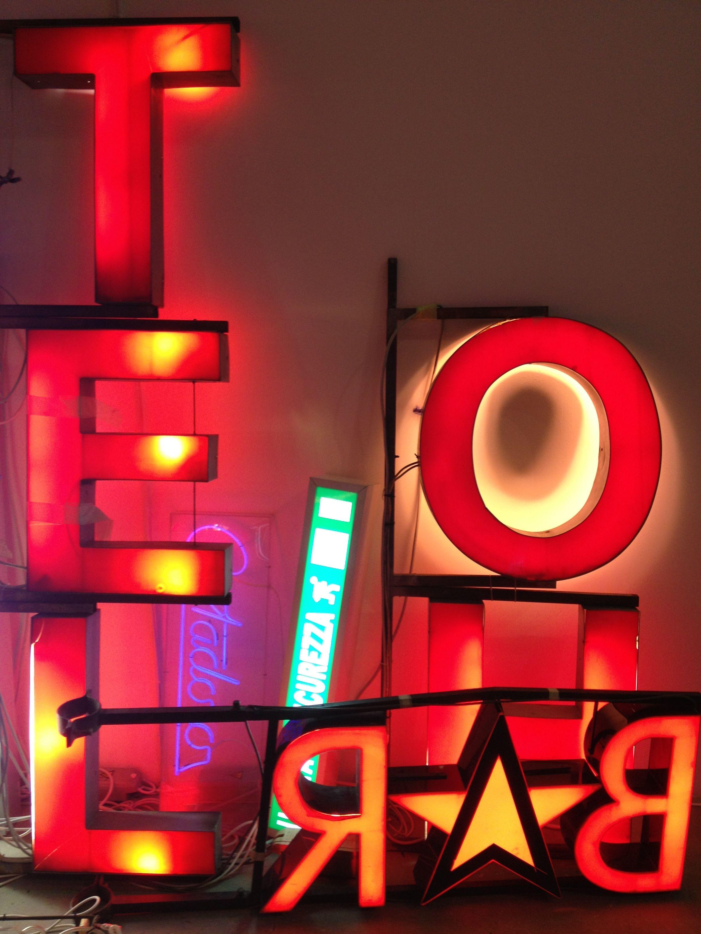 MACRO Museum, Rome - Neon exhibit.