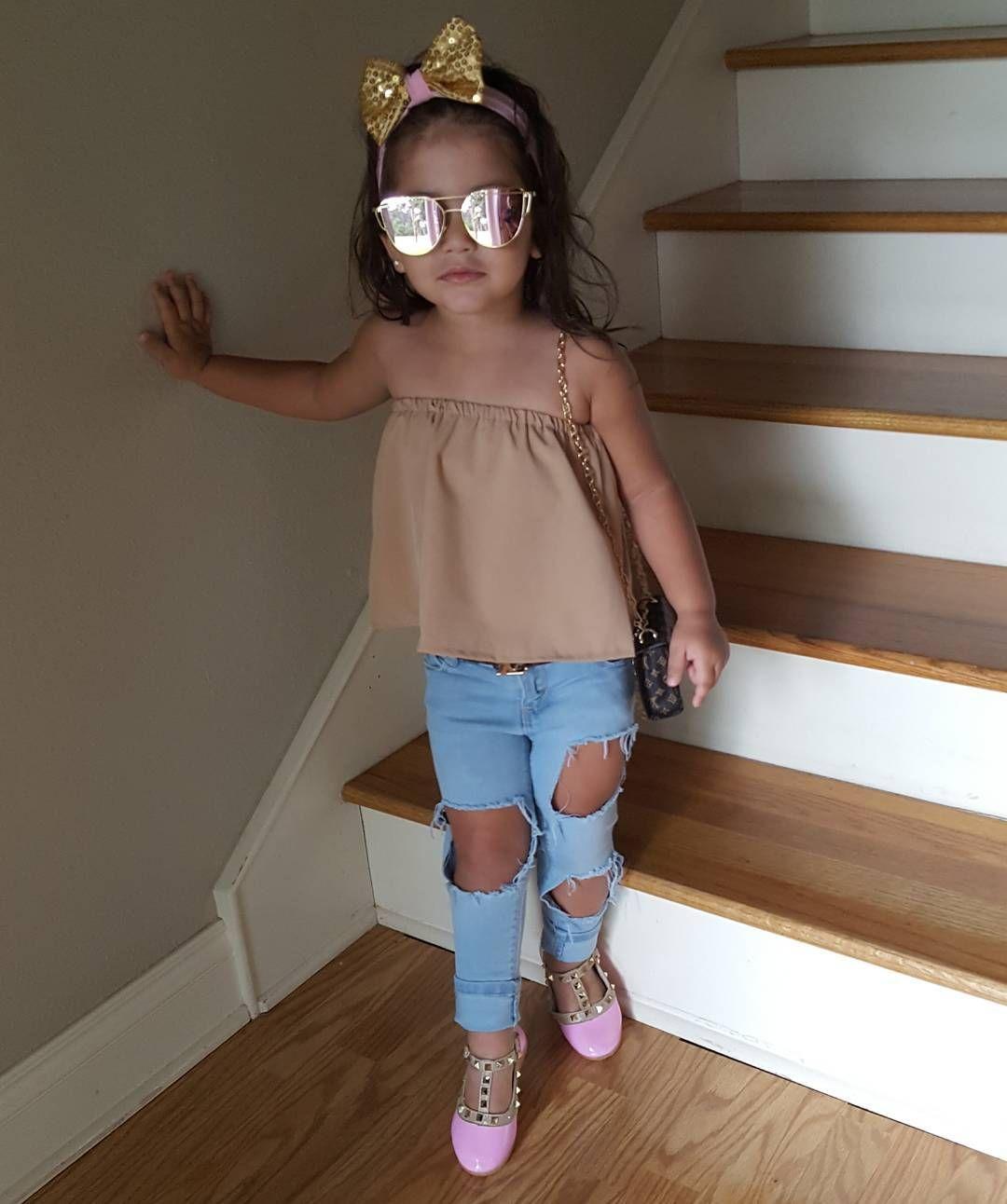 c15b3204cb2f0 Pin de Abi Quirino en Outfits para niños(a)