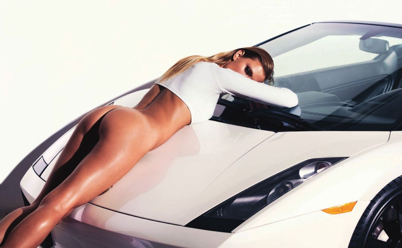 Constance Jablonski Topless Nude Photos 4
