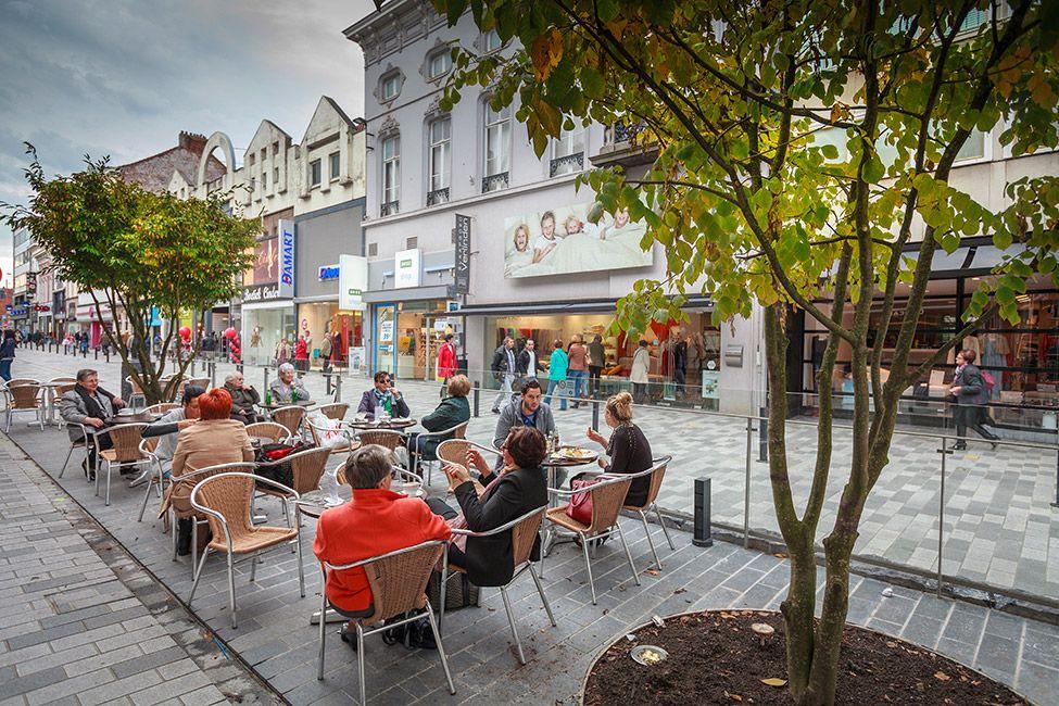 Redesign of stationsstraat by grontmij belgium 06 for Mobiliario urbano contemporaneo