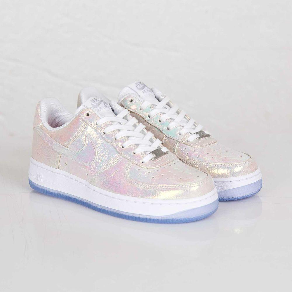 Nike Air Force 1 07 Premium PRM QS Iridescent Pearl 704517