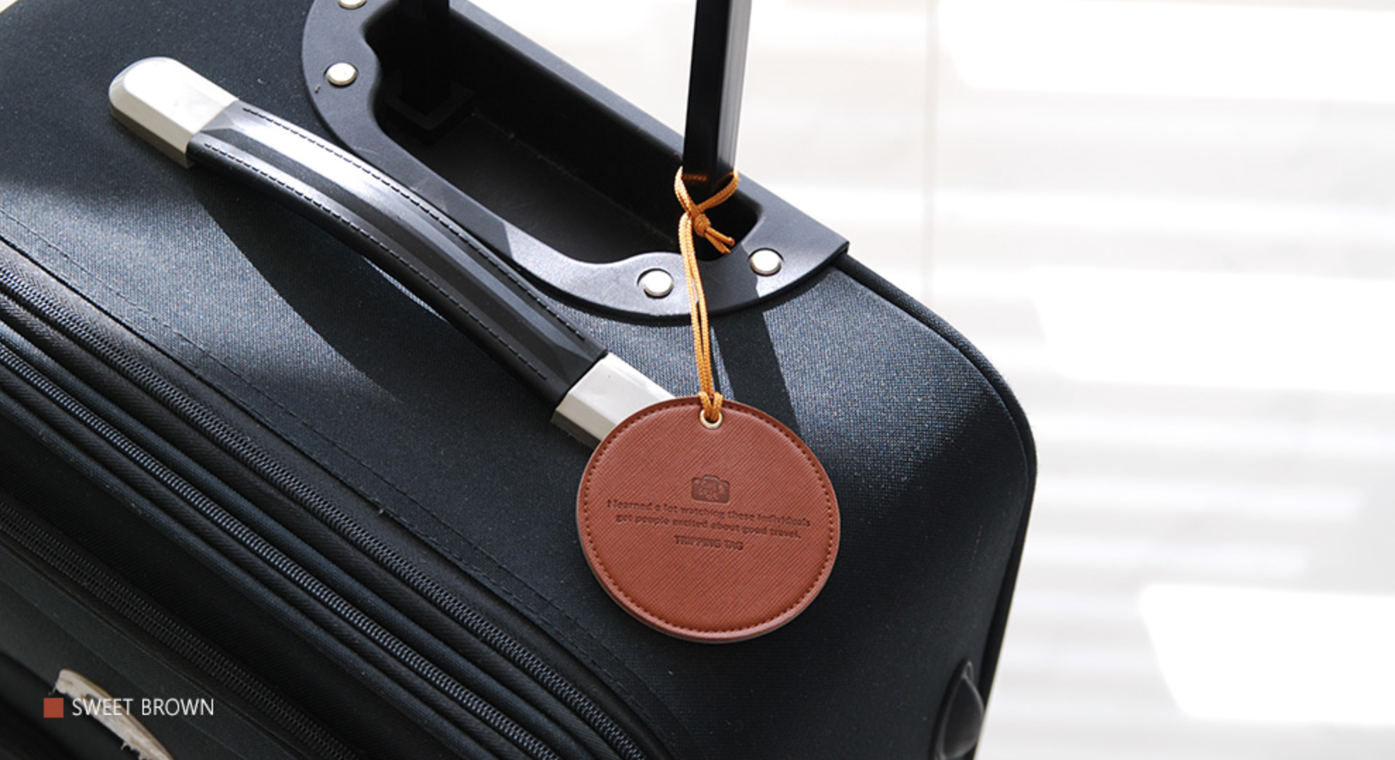 Round Leather Luggage Tag v2   Casamentos   Pinterest   Leather ...