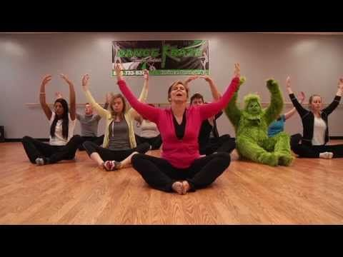 the grinch does yoga  grinch memes how to do yoga yoga meme