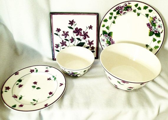 Waverly Sweet Violets Dinnerware set from the Waverly Garden  sc 1 st  Pinterest & Waverly Sweet Violets Dinnerware set from the Waverly Garden Room ...