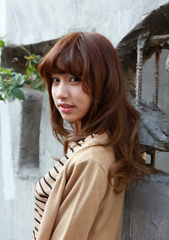 asian girls shoulder length wavy hairstyle with full bangs | mid