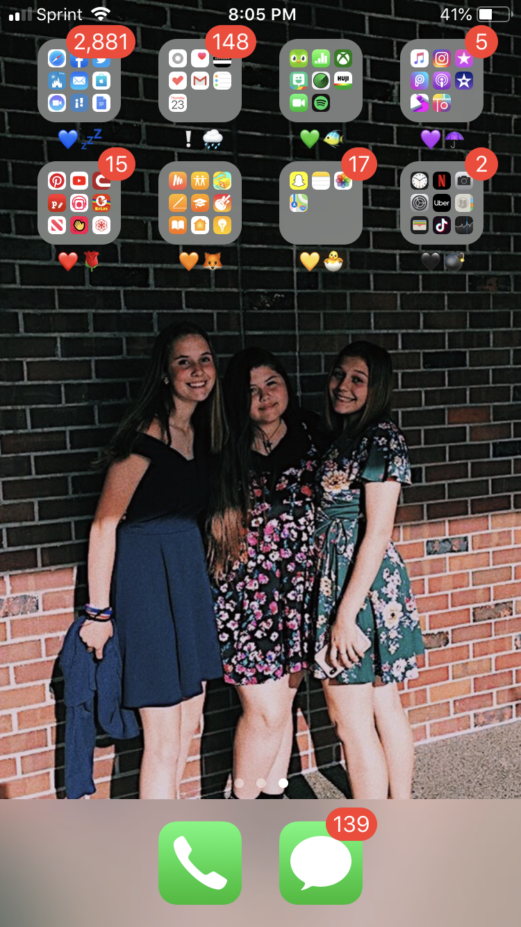 How To Make Your Phone Aesthetic Cute Background Aesthetic Contacts Cute Pics Organize Your Phone With Folders And C Girl Tips Iphone Secrets Cute Backgrounds