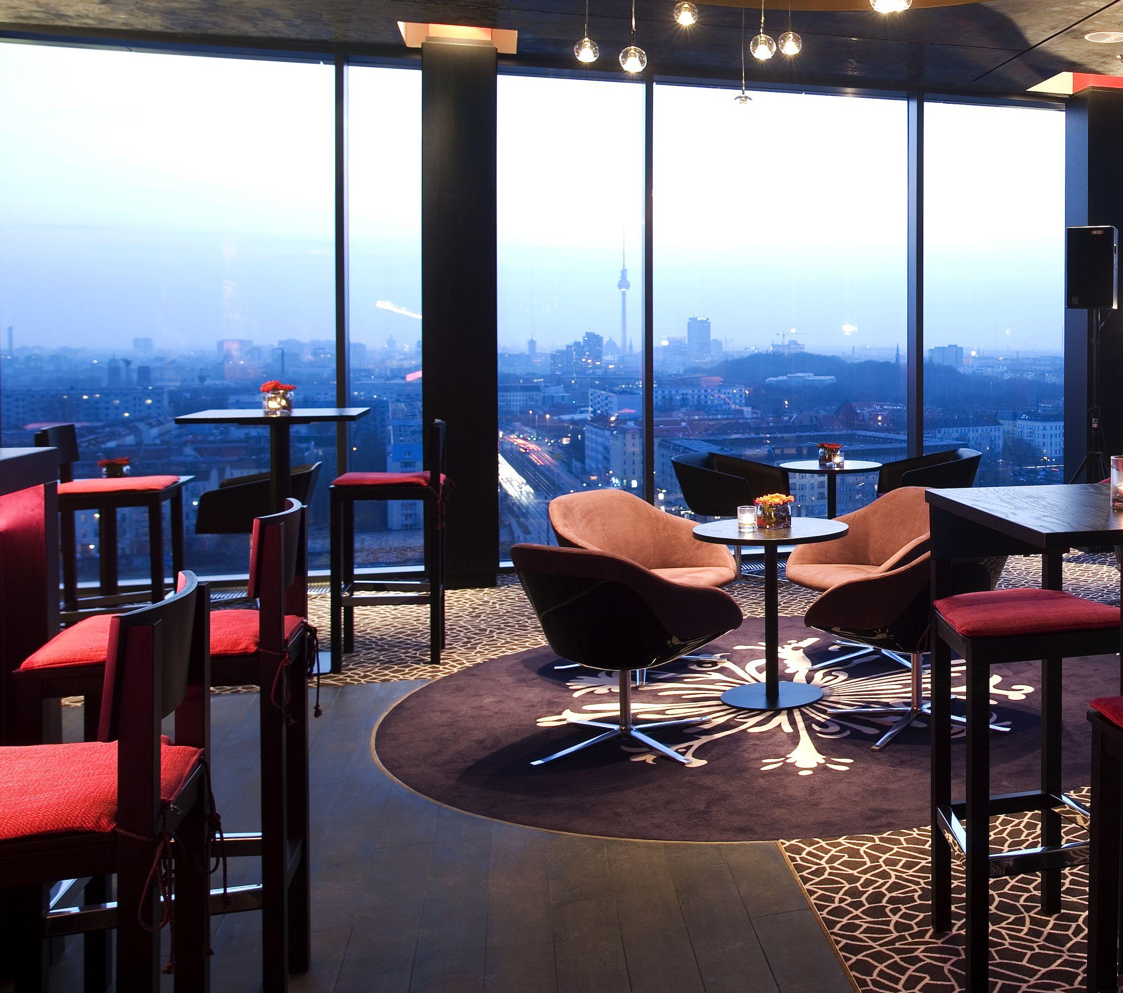 Red Sky Bar  Serves Unique And Creative Martinis (Centara
