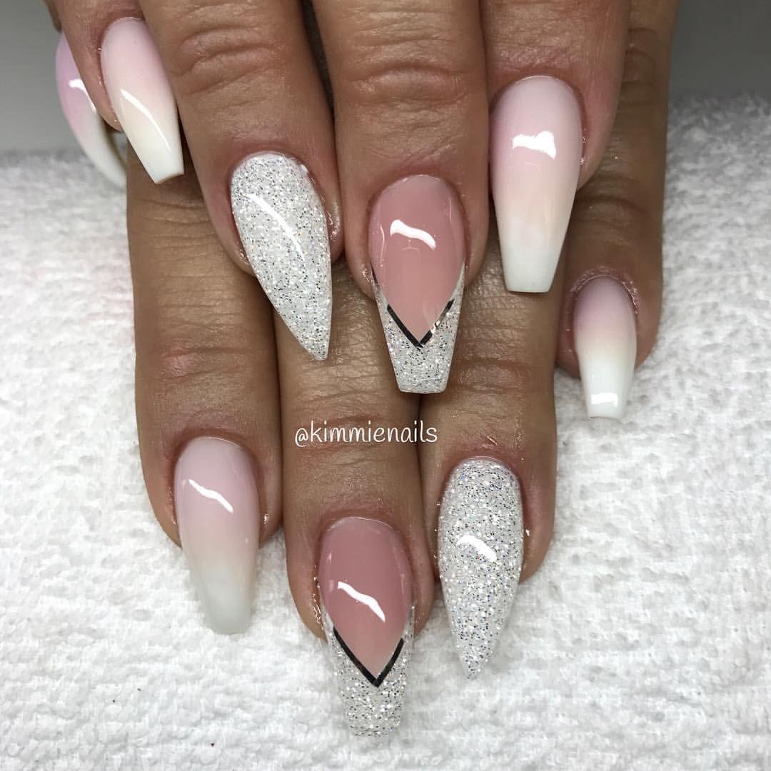 Faded french & diamond @tianakastrati #naglar #nagelkär ...