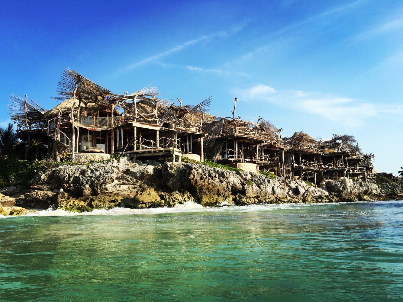the eco chic luxury hotel azulik in tulum beach. Black Bedroom Furniture Sets. Home Design Ideas