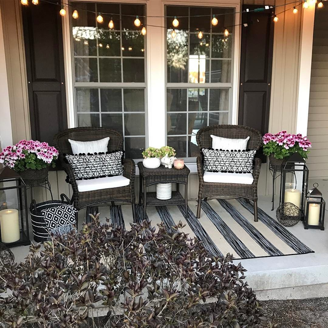 Front porch bench ideas stoop decor fromt also best home images rustic homes baseball canvas rh pinterest