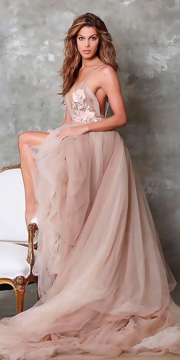 27 Peach & Blush Wedding Dresses You Must See | Perfecta y Boda
