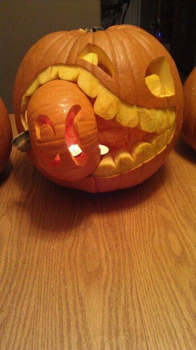 Pumpkin carving 2012 - cannibal pumpkin