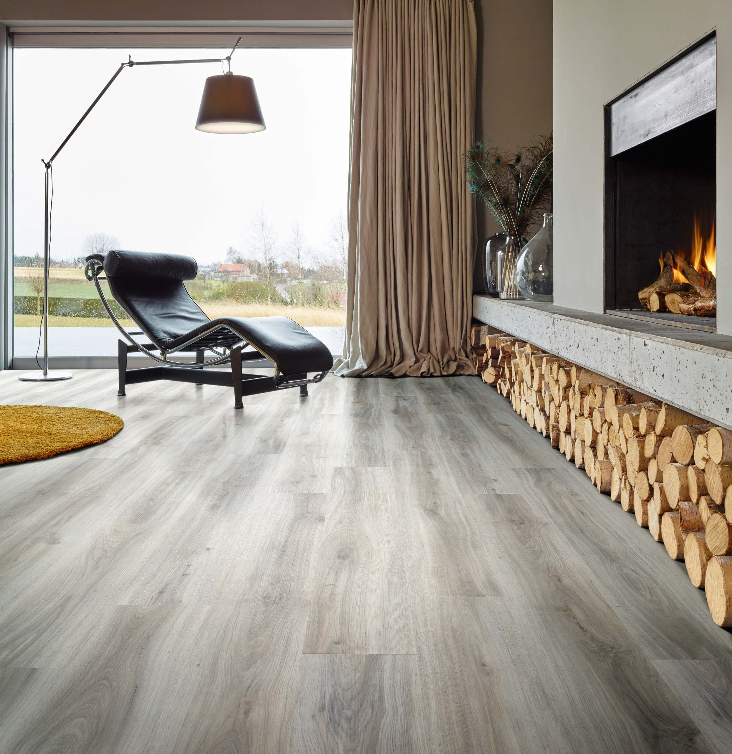 classic oak wood effect luxury vinyl flooring moduleo