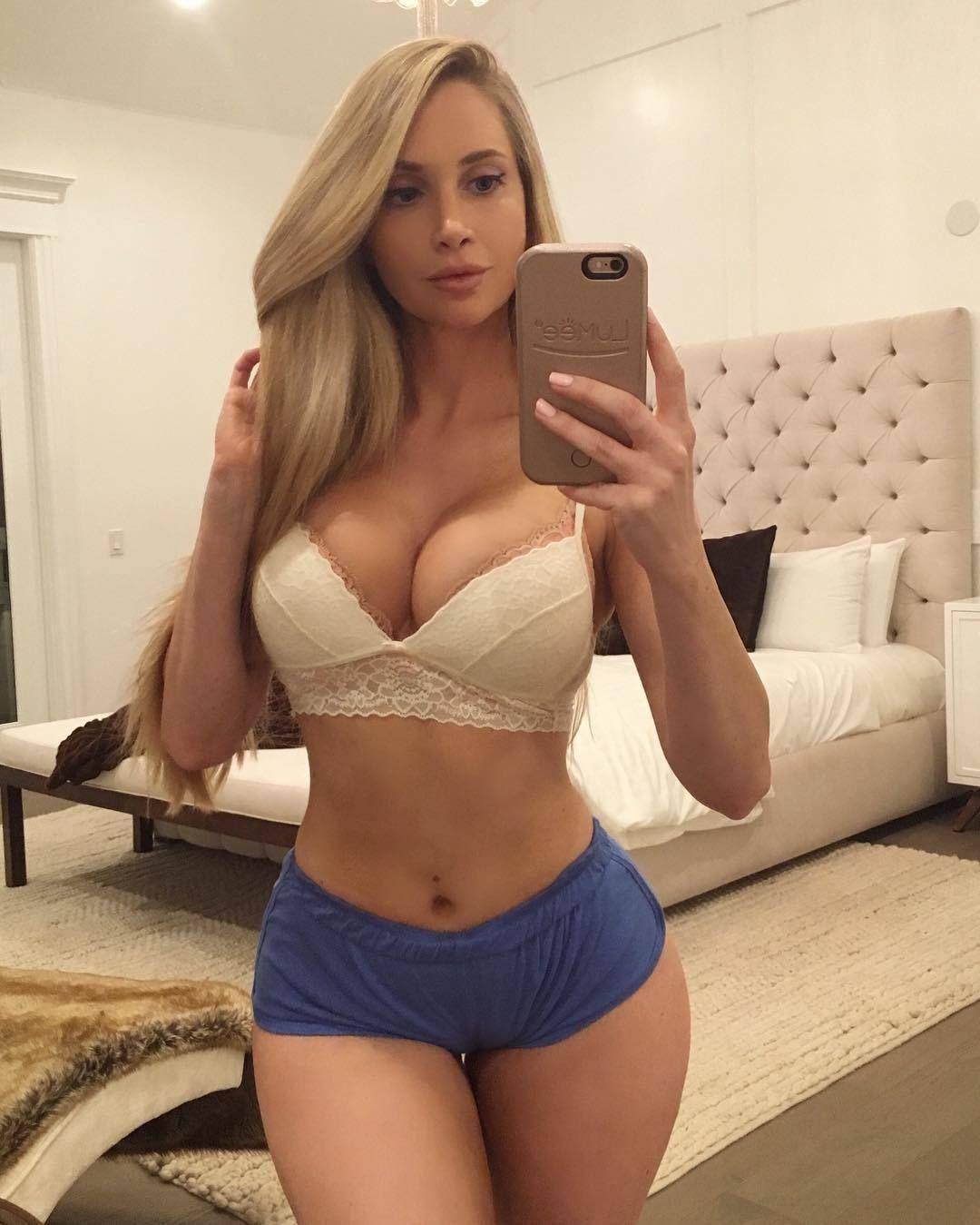Bustypetite X Killer Curves Amanda Elise Lee