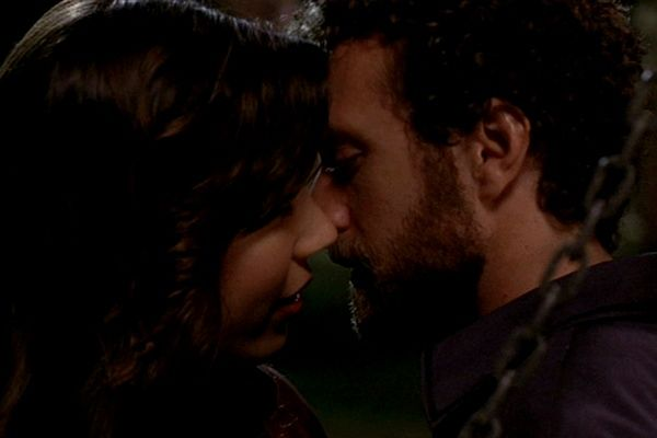 8 Hodgins And Angela Bones Season 2 Episode 7 For Their First