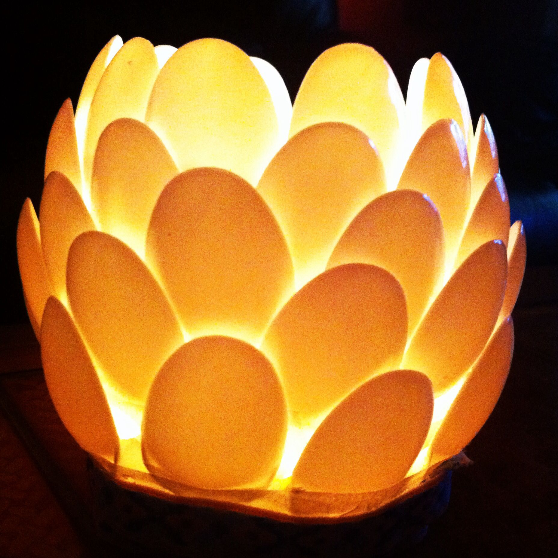 Flower effect candle holder made out of plastic spoons | For the ...