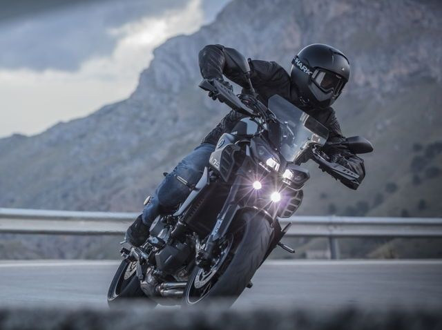 Yamaha MT-09 Touring Package \u00272017 Trucks and Motorcycles