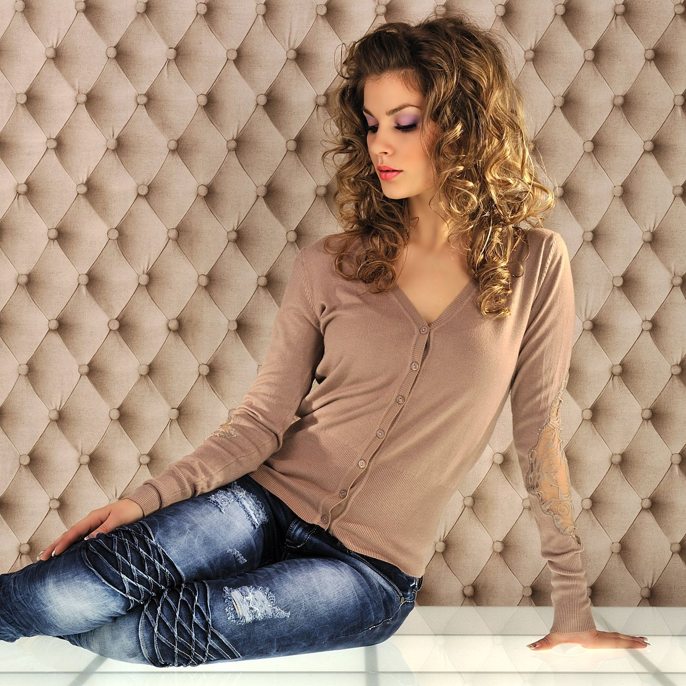 Naisten vaatteet - Neuleet - Beige neuletakki - ClothStation