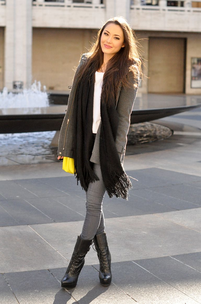 Spotted Jessica of Hapatime keeping cozy with a Charlotte Russe scarf!