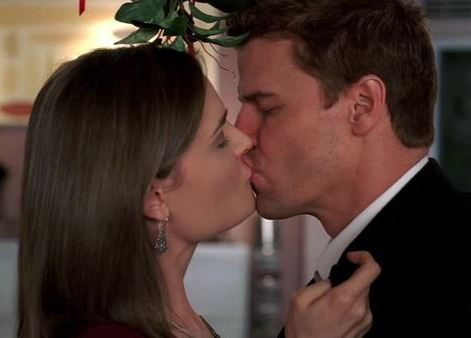 Bones - Booth and Bones First Kiss That's when I knew | Favorite