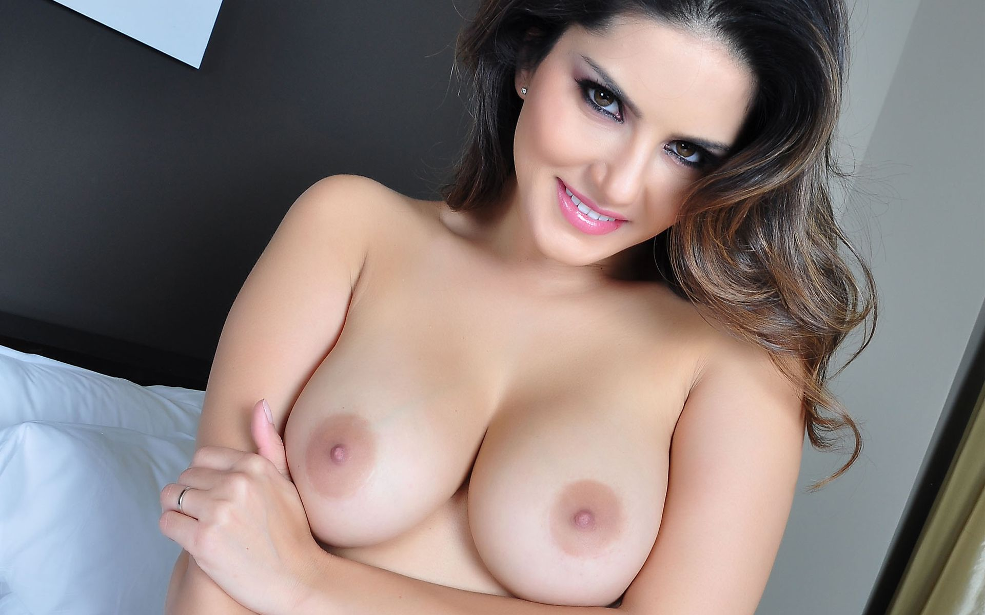 Download Wallpaper Sunny Leone, Boobs, Breast, Gingerid -7440
