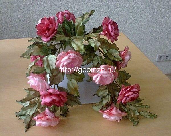 Букеты цветов из атласных лент   Цветы, Поделки из лент и ...