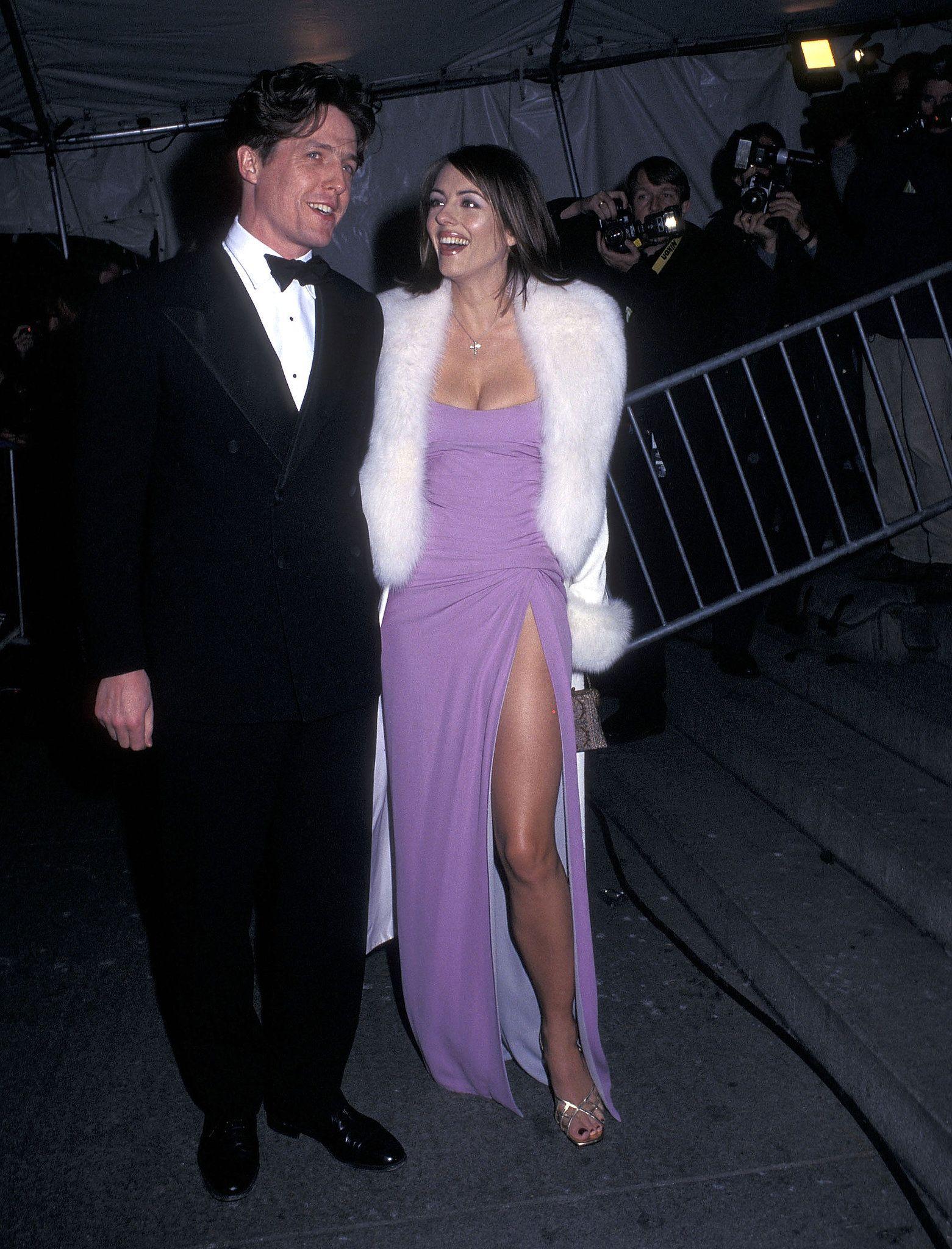 Hugh Grant And Elizabeth Hurley 1997 90s Prom Dresses Elizabeth Hurley Met Gala