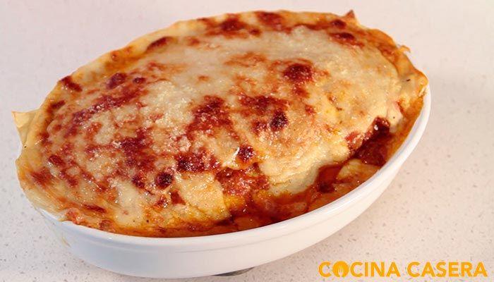El más divertido de preparar de los platos de recetas de pasta italianos, por lo menos el que a mí más me gusta, cómo esta Lasaña a la boloñesa. Podemos ha