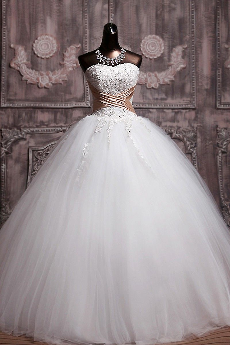 Beaded ball gown wedding dress  New Arrival Beaded Ball Gown Wedding Dresses Tulle Princess Bridal