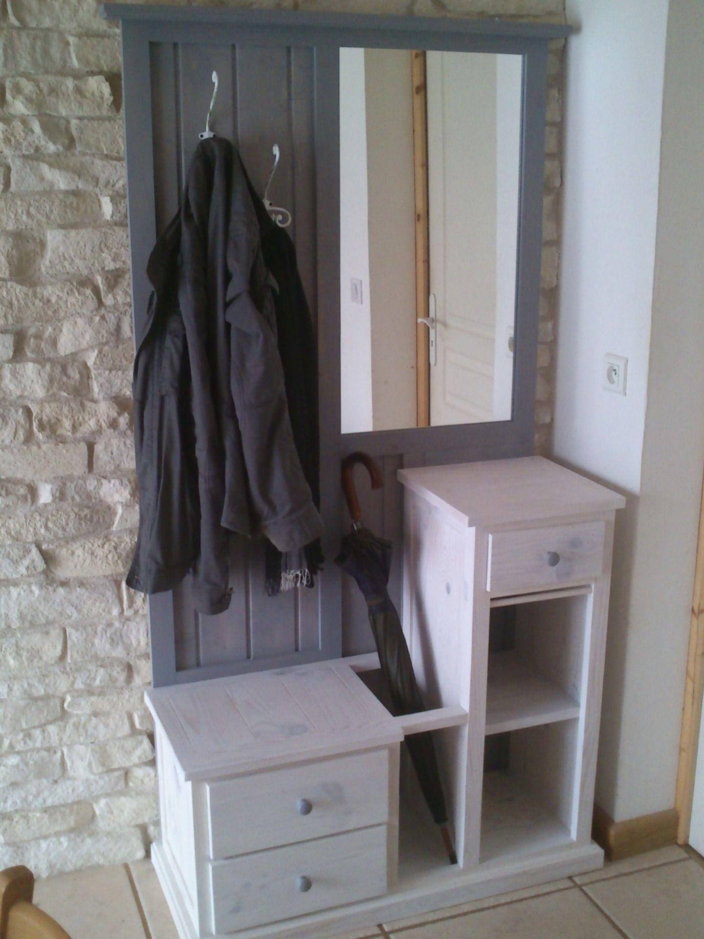 petit meuble d 39 entr e avec miroir petit meuble miroirs et entr e. Black Bedroom Furniture Sets. Home Design Ideas