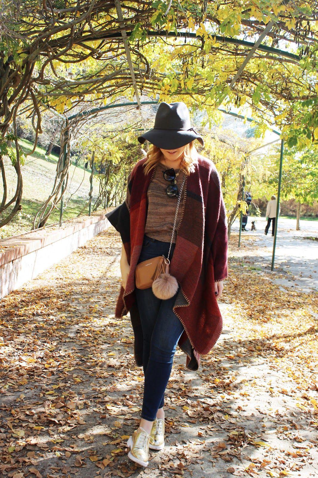 #blogger #girl #style  #fall #2015 #streetstyle #autumn #trends #tendencias #otono #invierno #look #hat #poncho