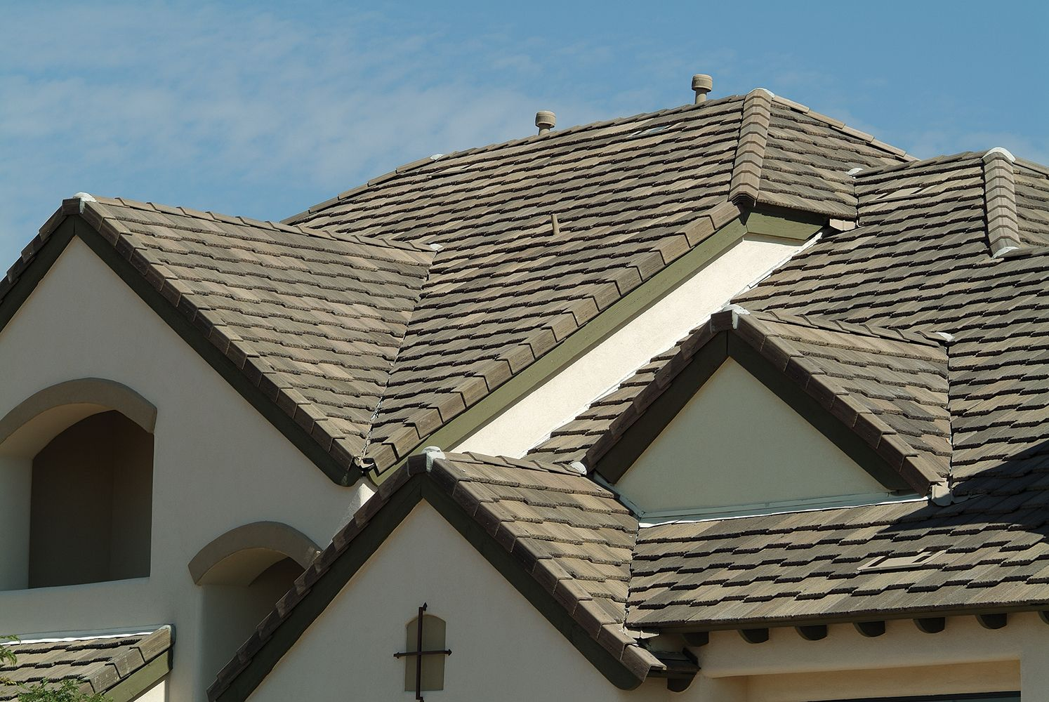 5687 Ponderosa Brown Gray Range Staggered Dream House Exterior Roofing Roof Cap